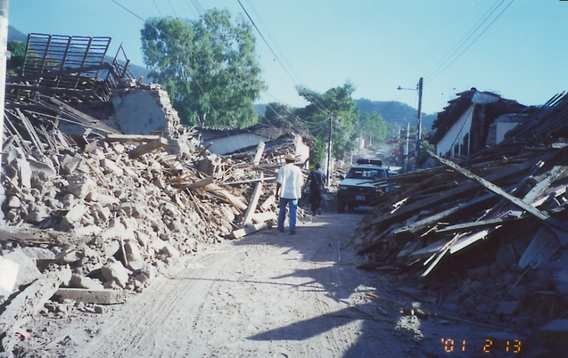 13feb01_Verapaz_1