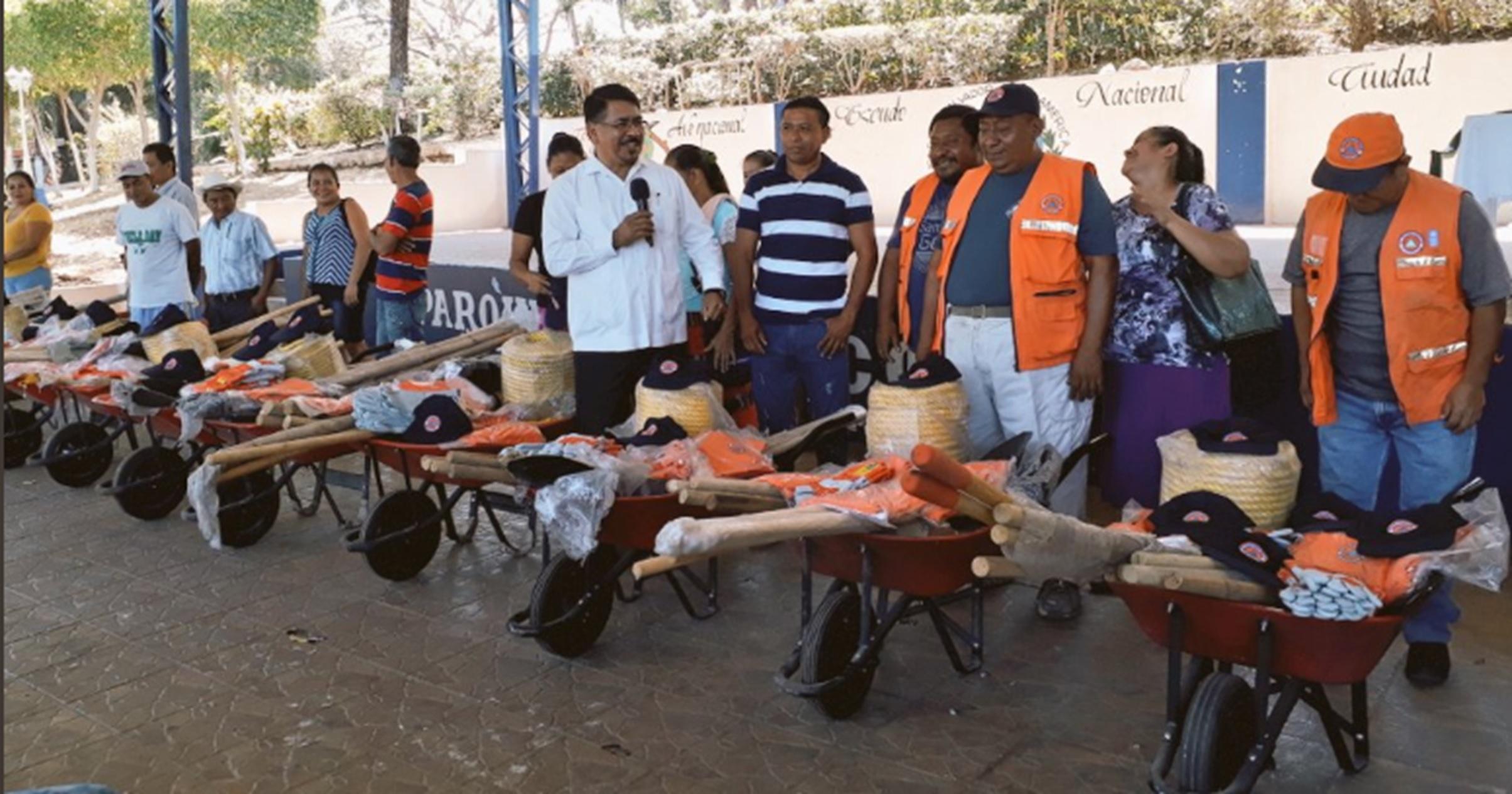 Fortalecen capacidad de respuesta de Comisiones Comunales de Protección Civil de Sonsonate   (7 MARZO)